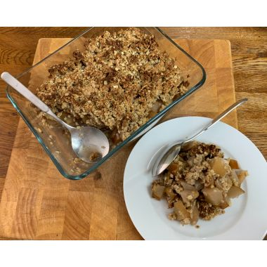 Nutritious vegan apple and pear crumble