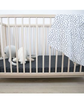 Cot sheet with patterns